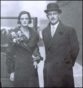 Stewart and Pamela Menzies in 1932. Thank you, spartacus-educational.com