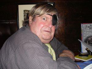 Warren Hinckle in 2006 courtesy of Wikipedia.